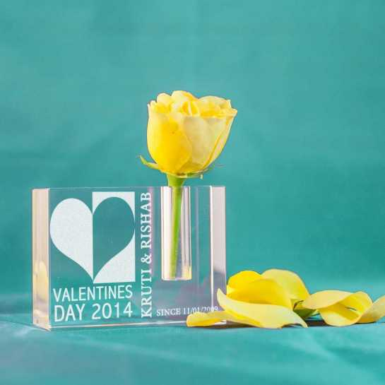 Happy Valentines Day-small pen stand