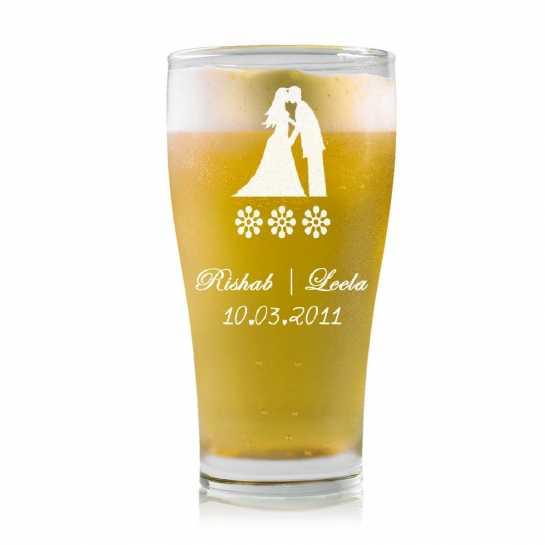 Kissing Couple - Stylish Beer Mug